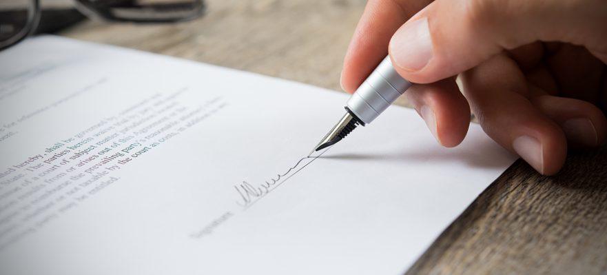 Prohibición de despidos y suspensión de contratos temporales